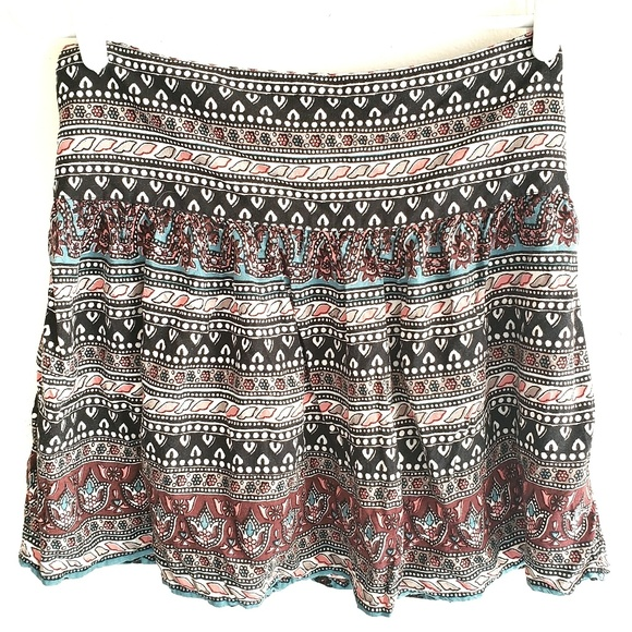 Hollister Dresses & Skirts - 3 For $15 Hollister Boho Mini Skirt